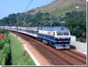 В Китае поезд врезался в толпу железнодорожных рабочих