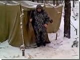 В лесу под Саратовом шестой день голодает полковник запаса / Он требует предоставить ему жилье