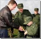 Дед Мороз подарил Коле Лукашенко винтовку