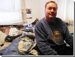 Въехавшая в спальню машина уронила канадца с кровати