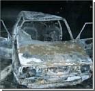 Два человека сгорели заживо в движущемся автомобиле. Фото