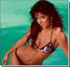 Ани Лорак выложила в сеть ФОТО в бикини и с кокосами