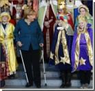 Меркель на костылях появилась на публике. Фото