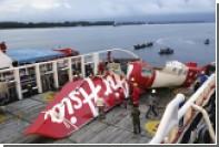 Фюзеляж лайнера AirAsia поднимут при неблагоприятной погоде