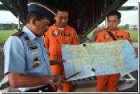 Поисковую операцию в Индонезии приостановили из-за плохой погоды