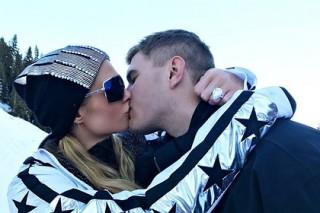 Пэрис Хилтон получила на помолвку кольцо с 20-каратным бриллиантом