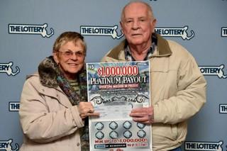 Американская семья дважды выиграла миллион долларов в лотерею