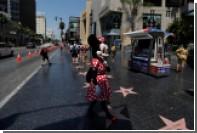 Минни Маус воссоединилась с возлюбленным на Аллее славы в Голливуде