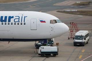 Российский самолет приземлился в США из-за сломанного двигателя