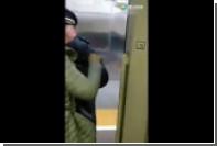 Китаянка устроила свару с проводниками из-за опоздавшего на поезд мужа