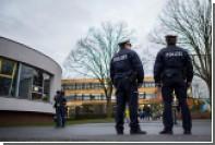Скрывавшийся немец справил нужду возле отдела полиции и попался