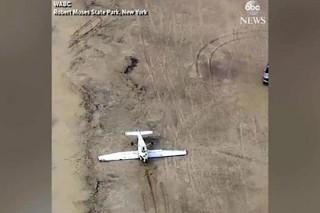 В США самолет сел «на спину»
