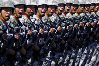 В Синьцзяне провели парад для устрашения сепаратистов