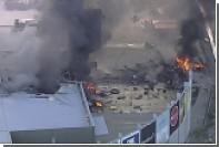 Легкомоторный самолет упал на торговый центр в Австралии