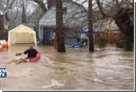 Проливные дожди вызвали сильное наводнение в Калифорнии