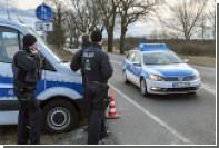 В Германии подозреваемый в убийстве во время погони задавил двух полицейских