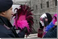 В Риме уличный торговец покусал полицейского при конфискации товара