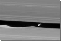 НАСА представило качественные снимки колец Сатурна