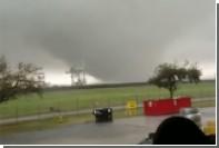 Атаку торнадо на комплекс американской сверхтяжелой ракеты показали на видео