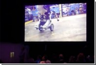 Балансирующего на двух колесах робота-грузчика показали на видео