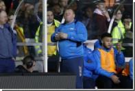 Английский вратарь помог друзьям заработать поеданием пирога во время матча