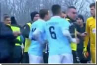 Бразильский футболист заплакал и спровоцировал драку из-за расистских выкриков
