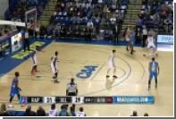 175-сантиметровый баскетболист пробежал между ног 218-сантиметрового соперника