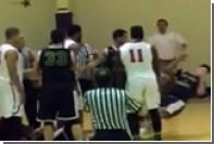 В США арестовали двух баскетболистов после массовой драки во время матча