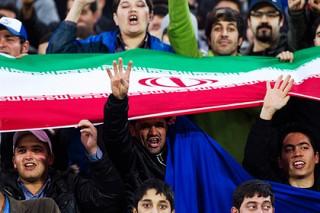 Иранка притворилась мужчиной для посещения футбольного матча