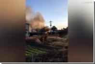 Военный вертолет упал на жилой район в Японии