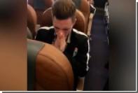 Российский футболист высморкался в пятитысячную купюру и нарвался на оскорбления