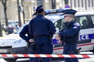 Во Франции вор застрял в витрине ограбленного магазина