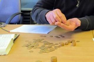 В Великобритании в старом пианино нашли тайник с золотыми монетами
