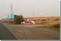 В ОАЭ нарушителей ПДД напугали картонной полицейской машиной