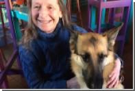 Американская авиакомпания сняла с рейса слепую пассажирку с собакой-поводырем