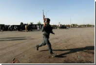 Афганский полицейский вместе с талибами напал на своих спящихколлег