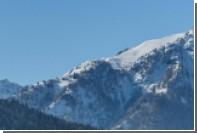 В австрийских Альпах лавина накрыла группу из пяти лыжников
