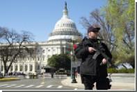 Около Капитолия в Вашингтоне водитель грузовика попытался наехать на полицейских