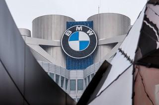 BMW понесет большие убытки из-за двух пьяных рабочих
