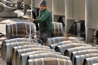 Молдавия исключила вино из списка алкогольных напитков