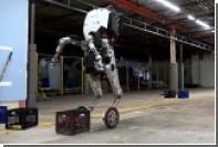 Робота Atlas посадили на колеса
