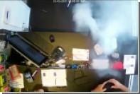 Взрыв iPhone в руках владельца показали на видео