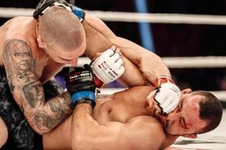 Украинский боец ММА Амосов отстоял титул чемпиона мира