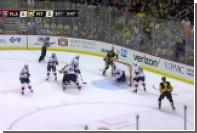 Хоккеист «Питтсбурга» забросил шайбу с лета после навеса из-за ворот