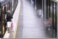 Юный австралиец провалился в пространство между вагоном и платформой