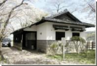 Японец прожил в туалете три года