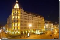 Московский отель позвал горождан есть устриц и красить яйца