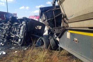 В ЮАР в автокатастрофе погибли 17 школьников