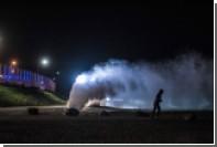 Французские полицейские разогнали тюремщиков слезоточивымгазом