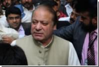 Верховный суд Пакистана отказался отправить в отставку премьера